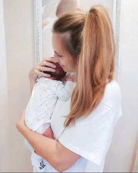Ольга Гажиенко пока не поняла, на кого похож ее младший сын
