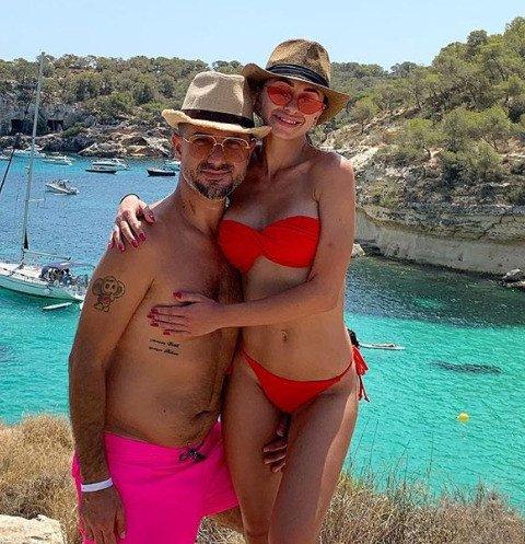 Возлюбленная экс-супруга Ани Лорак оказалась эскортницей
