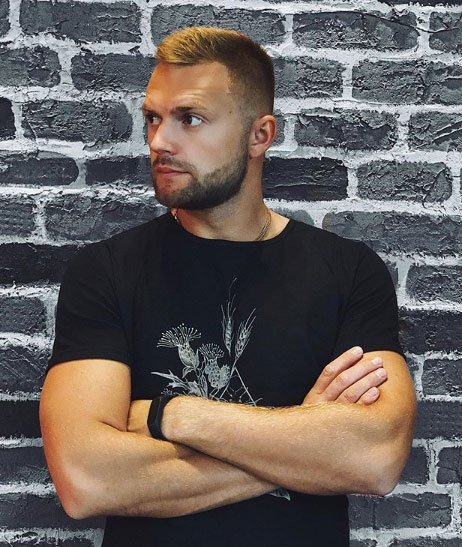 Виктор Литвинов открыл свой лаунж-бар