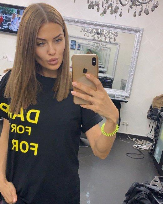 Виктория Боня снова подстригла волосы
