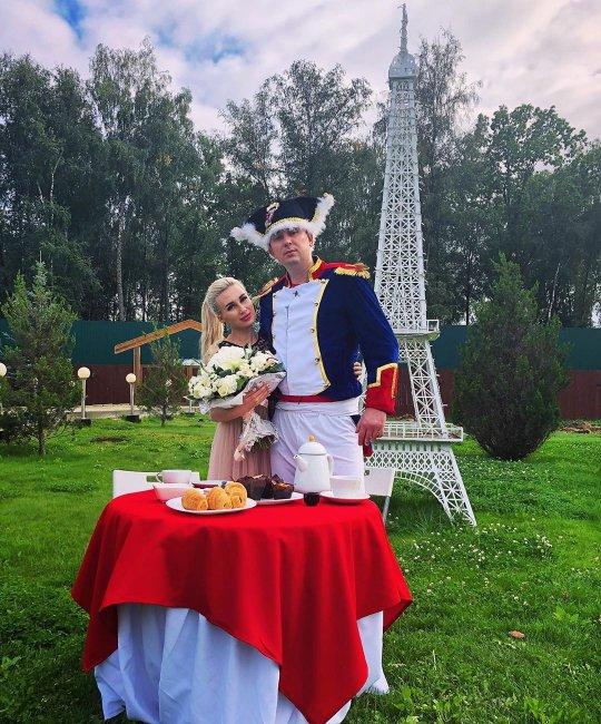 Розалию Райсон и Андрея Шабарина не пригласили на свадьбу Купиных