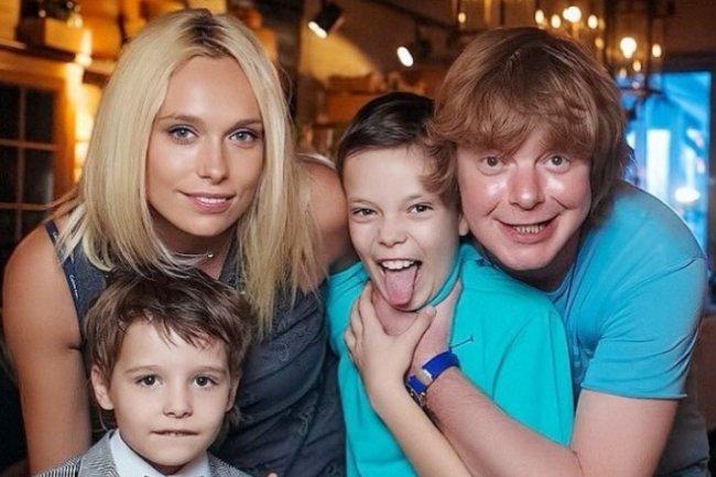 Супруга Андрея Григорьева-Аполлонова впервые вышла в свет с любовником
