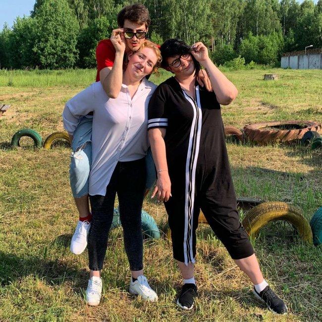 Саша Черно требует от сестры беспрекословного подчинения