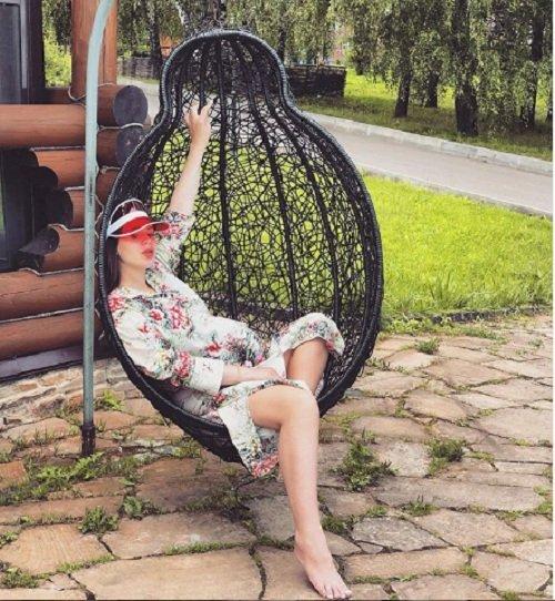 Саша Артемова нарушает все стереотипы беременности