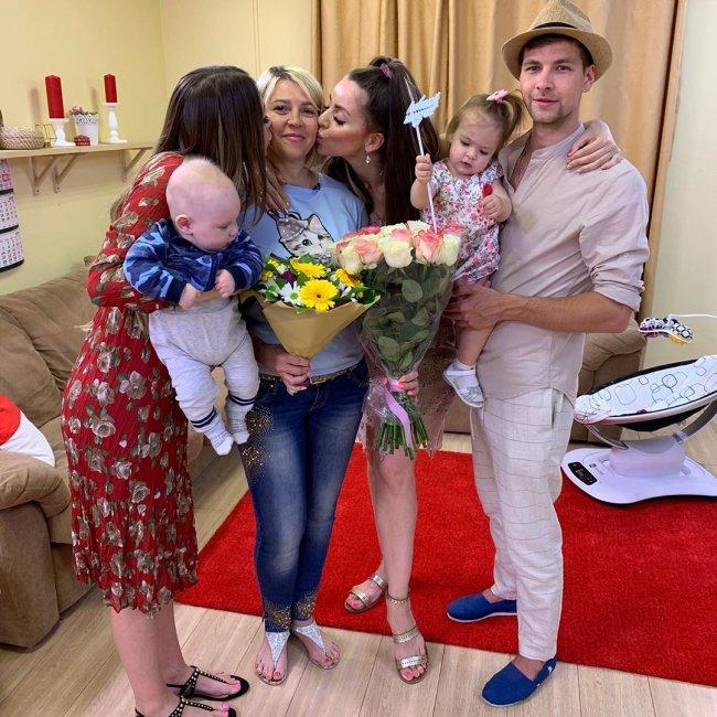 Татьяна Владимировна опубликовала фото годовалой Ольги Рапунцель