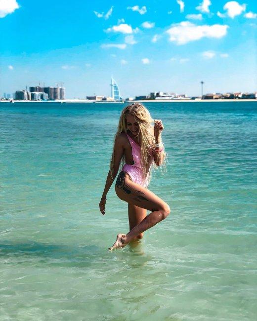 Кристина Дерябина все еще пытается задеть экс-возлюбленного