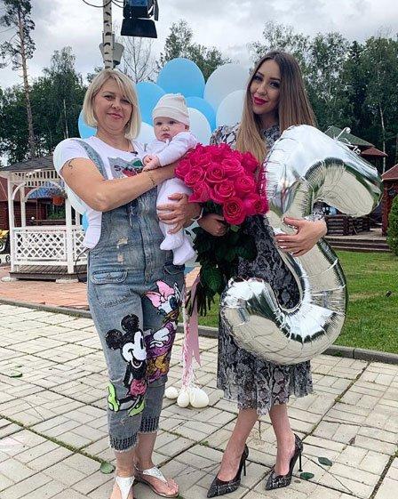 Алена Савкина действительно может решить рожать дочку