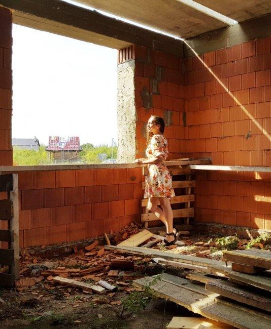 Строители чуть не оставили Машу Круглыхину без окна на кухне