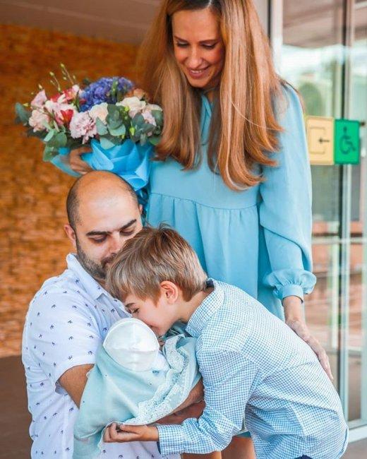 Фотоподборка семьи Гажиенко в полном составе
