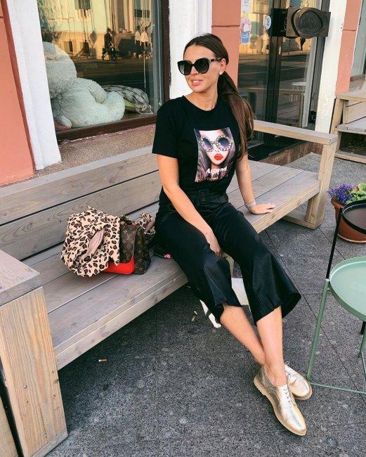 Эллу Суханову бросили друзья, не вынесшие её успеха