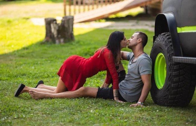 Фотосессия новоиспеченной пары Клавдии Безверховой и Никиты Уманского