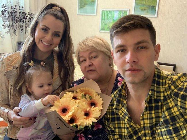Фотоподборка семьи Дмитренко в родном городе Владивостоке
