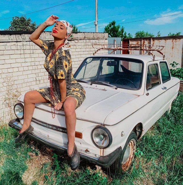 Анна Якунина устроилась на работу в рекламное агентство
