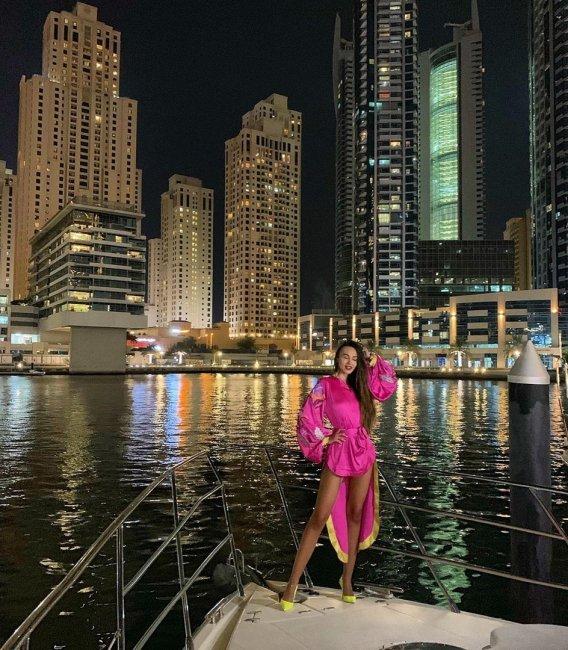 Фотоподборка Леры Фрост во время отдыха в Дубае