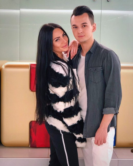 Фотоподборка возлюбленных Антона Беккужева и Ани Брянской