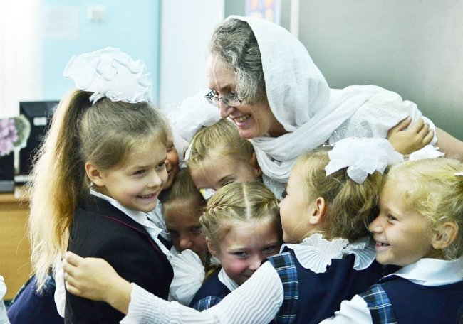 Падчерица Маши Круглыхиной делает первые успехи в церковной школе