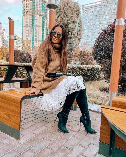 Катя Колисниченко убирает послеродовой живот с помощью корсета
