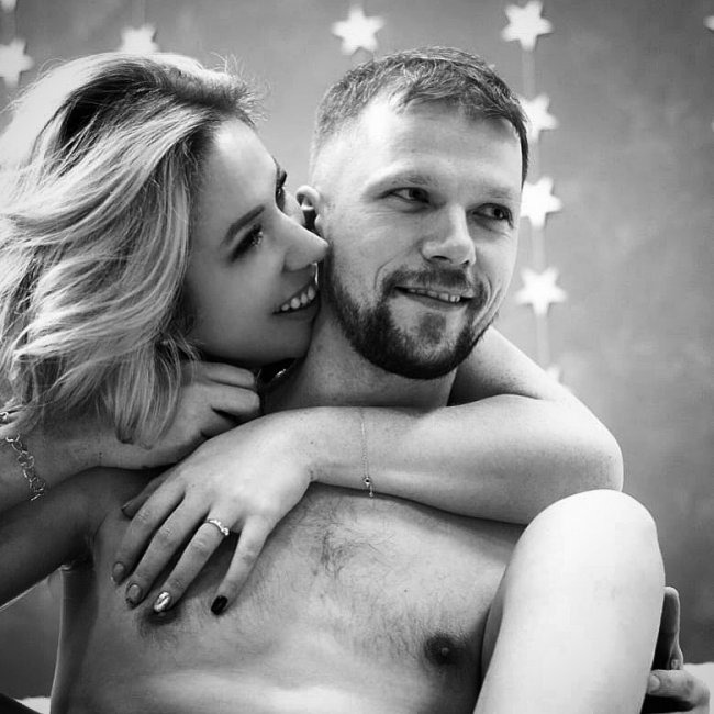 Надя Ермакова впала в депрессию после расставания с женихом