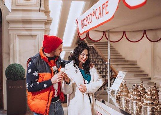 Фотосессия счастливых Вики Романец и Антона Гусева в предвкушении Нового года