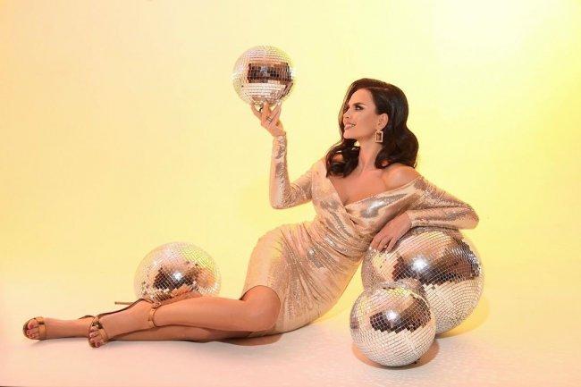 Фотосессия великолепной Виктории Романец перед Новым годом