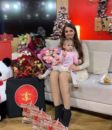 Ольга Рапунцель ничему не научила дочку