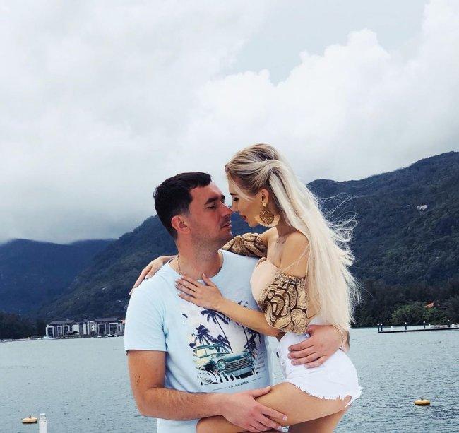 Розалия Райсон и Андрей Шабарин были вынуждены отказаться от отдыха