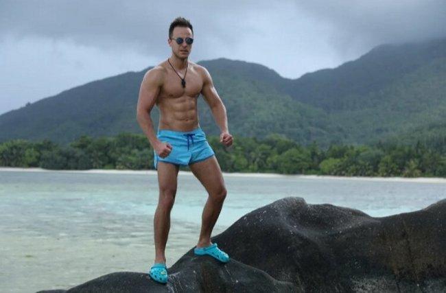 Фотосессия спортивного Никиты Уманского на Сейшелах