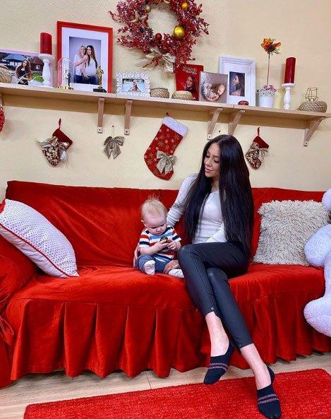 Пусть Алена Савкина сама воспитывает сына, без помощи мамы