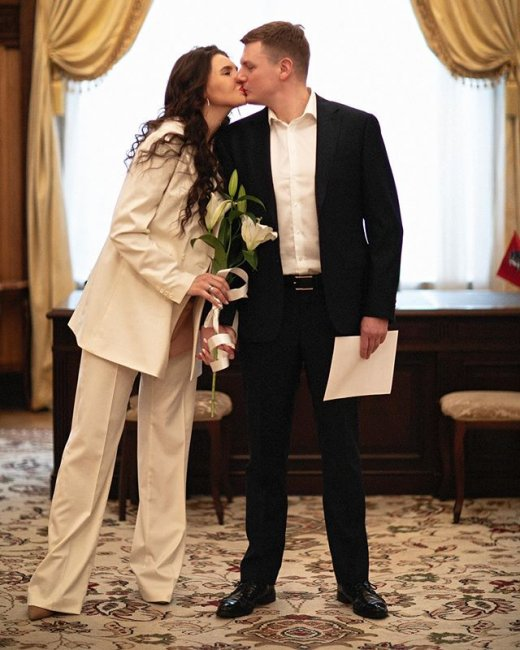 Фотоподборка с дня бракосочетания Эллы Сухановой