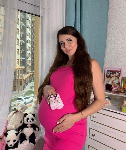 Ольга Рапунцель хочет оградить своих детей от неадекватных людей