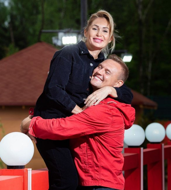 Степан Меньщиков: «Как же мне повезло с тобой любимая Ангелина Николаевна!»