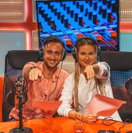 Алексей Безус и Марина Африкантова отлично сработались в роли радиоведущих