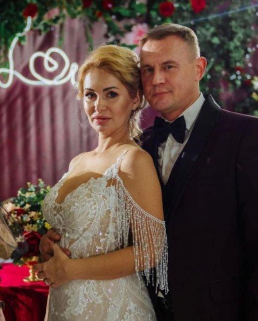 Степа Меньщиков и Ангелина Монах назвали новую дату свадьбы