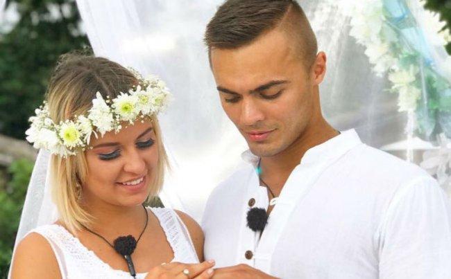 Майя Донцова забыла про годовщину свадьбы с Алексеем Купиным
