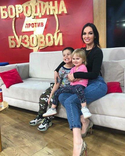 Евгения Шамаева пытается вернуть Степана Меньщикова