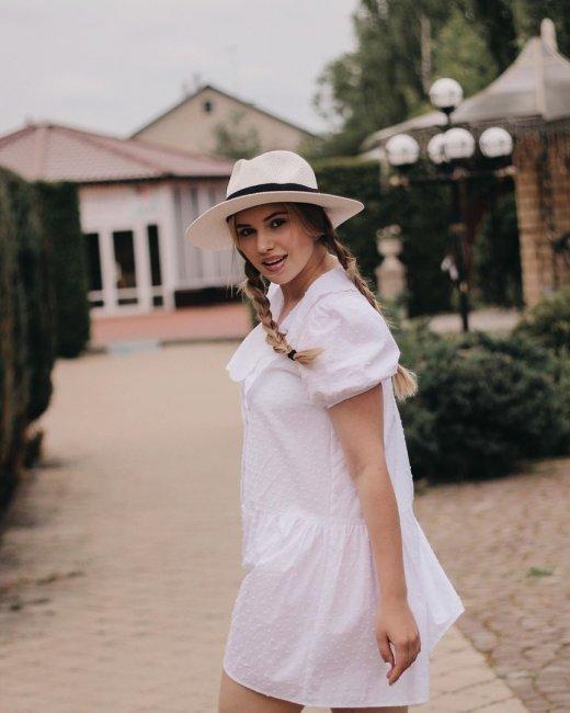 Красивая фотоссесия экс-участницы «Дом 2» Александры Артемовой