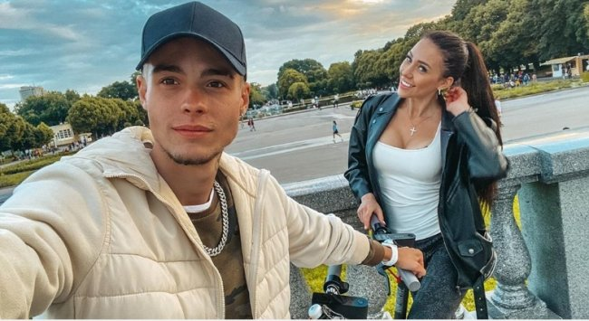 Алена Савкина и Максим Колесников показывают свою новую квартиру