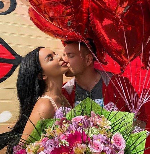 Аня Левченко и Валера Блюменкранц выбрали наряды к свадьбе