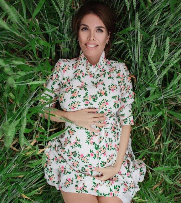 Фотоподборка беременной Александры Гозиас