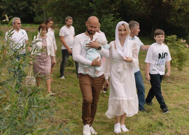 Андрей и Кристина Черкасовы окрестили сына Святослава