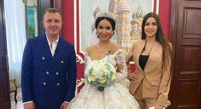 Настя Голд и Илья Яббаров решили не приглашать Алену Савкину на свадьбу