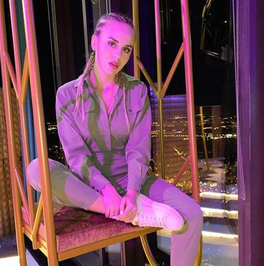 Милена Безбородова разучилась делать прически и макияж