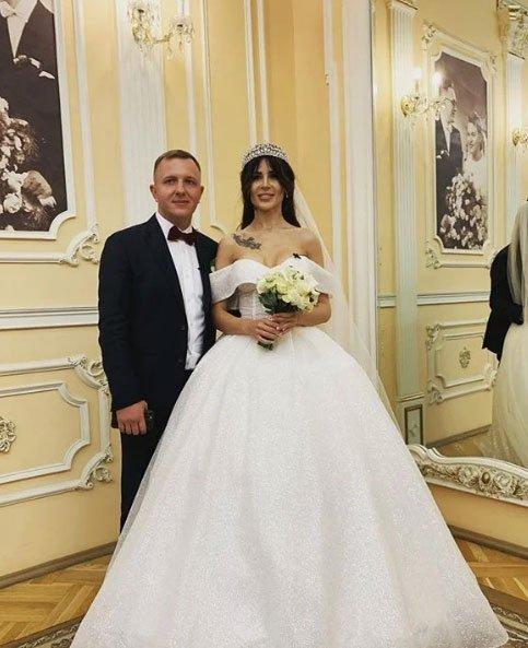 Зрители раскритиковали свадебный образ Насти Голд