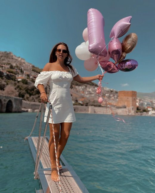 Александра Артемова на отдыхе в Турции