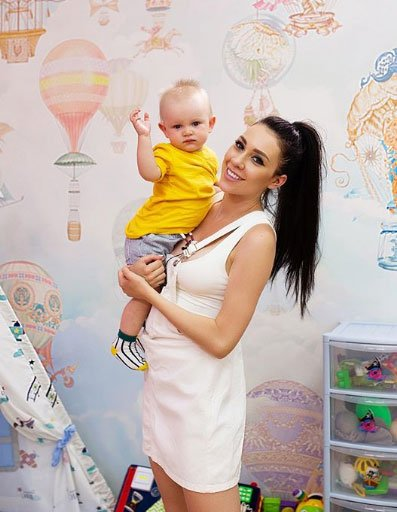 Алена Савкина изначально хотела быть в статусе матери одиночки
