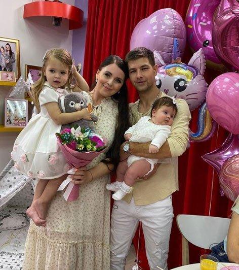 Оля и Дима Дмитренко только изображают заботливых родителей