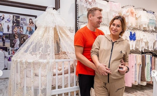 Супруги Меньщиковы возвращаются на проект