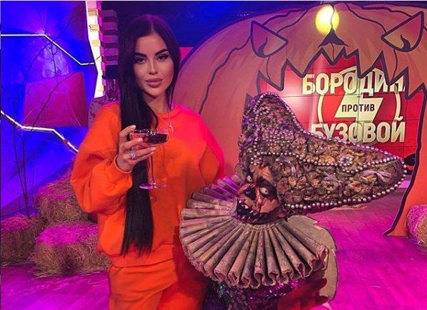 Яна Шафеева сообщила об уходе с проекта