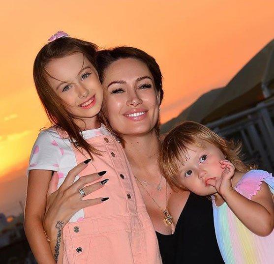 Алена Ашмарина очень хотела сына, но у нее будет 4 дочки