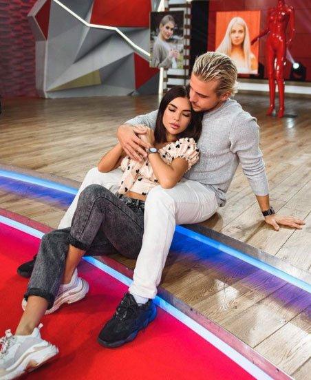 Алина Галимова пытается решить проблемы в интиме с Никитой Рудаковым